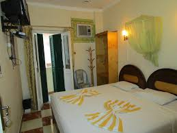 chambre bob marley bob marley peace hotel luxor louxor