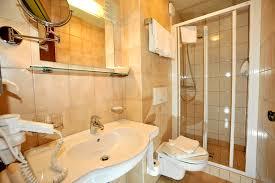 Cabinets Synonyms Bathroom Break Synonym Bathrooms Cabinets