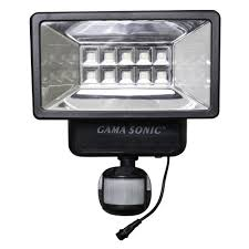 Defiant Motion Security Led Light Solar Powered by Gama Sonic 160 Black Outdoor Solar Powered Security Light With