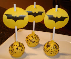 like the idea of paper circles to dress up the cake popsbatman