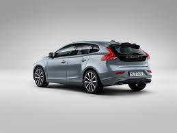 volvo logo 2016 volvo cars gives the new face of volvo to the v40 volvo car