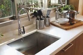 installation plan de travail cuisine évier sous plan 26 designs guide et installation