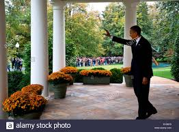 obama white house tour us president barack obama waves from the colonnade to visitors as
