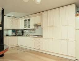 antique cream kitchen cabinets cream kitchen cabinets captainwalt com