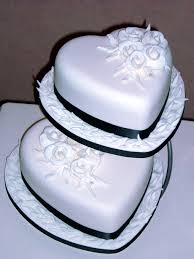 heart shaped wedding cakes heart shaped wedding cakes designs hearth wedding cake