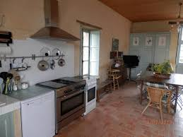 porte de la cuisine gîte de charme château de la ménardière ref 85g13020 à