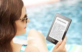kindle paperwhite blue light filter what s the best e reader for beach reading