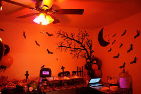Halloween Party Decorations Fun Spooky Stuff And Trivia Great Halloween Party Inspiration