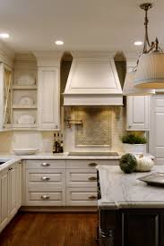 Kitchen With Cream Cabinets by Best 25 Cream Kitchen Designs Ideas On Pinterest Cream Kitchen