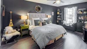 black walls in bedroom bedroom with black walls black curtains small bedroom black walls