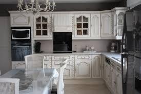 cuisine blanc cérusé restauration de meubles anciens cuisine relooke decoration