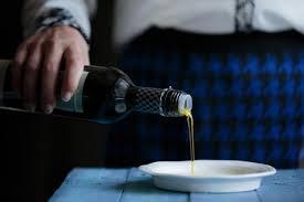 cuisiner à l huile d olive huile d olive la quête de la qualité isabelle morin cuisine