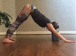 Yoga Poses You Can Do At Your Desk 8 Yoga Poses You Should Be Doing Before Bed