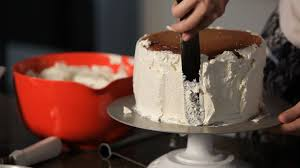 how to fill u0026 frost a cake wedding cakes youtube