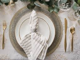 Bed Bath And Beyond Christmas Tablecloths This Is How You Do A Glitzy Christmas Table Above U0026 Beyondabove