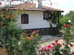 a fully renovated and furnished house with 3000 sqm land near the