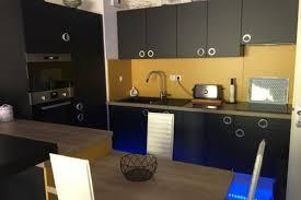 cuisine noir et jaune réalisations en jaune et noir de cuisines avec socoo c
