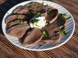 comment cuisiner une langue de boeuf recette langue de bœuf sauce mayonnaise aillée toutes les