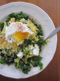 cuisiner le chou frisé polenta chou frisé kale œuf poché bonheur tortore