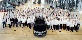 volkswagen germany factory vw ends phaeton production plans to repurpose transparent factory