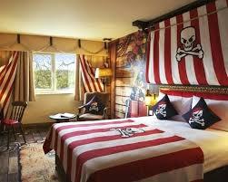 chambre enfant pirate decoration pirate chambre dacco chambre enfant pour garaon thame