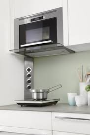 cuisiner avec un micro onde installation micro onde encastrable photos galerie pour by le site