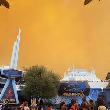 Wildfire Anaheim by Orange Skies Shroud Disneyland As Wildfires Loom Nbc News