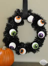 spooky eyeball wreath my suburban kitchen