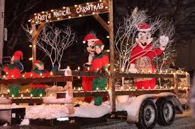 savannah boat parade of lights 2017 weymouth parade of lights christmas spirit shines through the rain