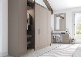 Independent Kitchen Designer by Holmewood Interiors Kitchen Design Horsham