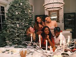 Kris Jenner Snooki And Other Stars Who Go All Out At Christmas