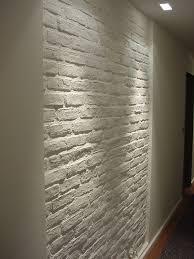 Wohnzimmer Ziegeloptik Ziegelwand Weiss Im Badezimmer Im Hausgang Ziegelwand Im Hotel