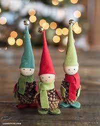 pinecone ornaments to make