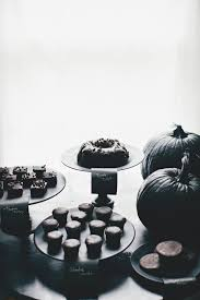 Black Amp White Chocolate Covered These Chic Unique Halloween Wedding Ideas Are A Must See