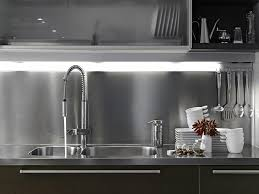 cuisine industrielle inox plaque inox cuisine professionnelle cuisine idées de décoration