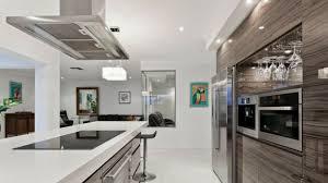 choisir une hotte de cuisine hotte cuisine amazing et design les hottes font partie intgrante de