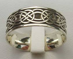 celtic rings men s yellow or white gold celtic ring love2have in the uk