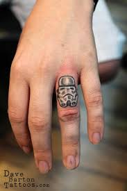 finger tattoo lioness lion and lioness head tattoos on fingers