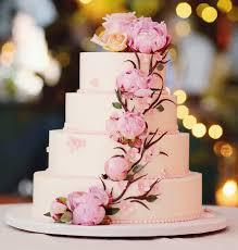 wedding cake flower wedding cakes 20 ways to decorate with fresh flowers inside weddings