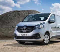 get a load of all 10 things you need to about the renault trafic