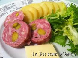 cuisine lyonnaise recettes recette saucisson de lyon à cuire la cuisine familiale un plat