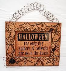 halloween crafts ideas halloween craft ideas roberts crafts blog
