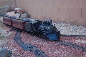 model railroad tour delights crowds displays detailed