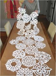 holiday table runner ideas 17 diy christmas table setting ideas paper snowflakes holidays