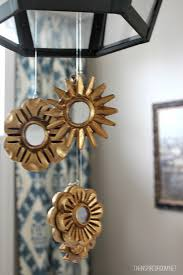 tips for how to hang garland wreaths and without nails
