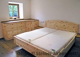 Schlafzimmer Schrank Und Kommode Zirbenbett Steiner Doppelbett Kranzhorn Segmentbogen Masseinbau 007 Jpg