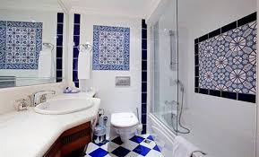 Traditional Bathroom Tiles Ideas Designs at Home Design