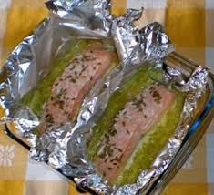 cuisiner du poireau fondue de poireaux et saumon papillote cuisine plurielles fr
