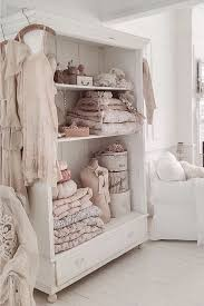 Shabby Chic Decorating by Best 25 Shabby Chic Bedrooms Ideas On Pinterest Shabby Chic