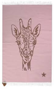chambre la girafe tapis girafe 100x150 varanassi file dans ta chambre